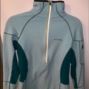 Blue Columbia pullover!!